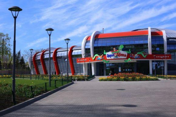 У номінації «Об'єкти дозвілля та відпочинку» переможцем став Комплекс критого аквапарку по вул. Стадіонній, 1 у м. Донецьку. Всього в цій категорії номінувались 4 об'єкти.